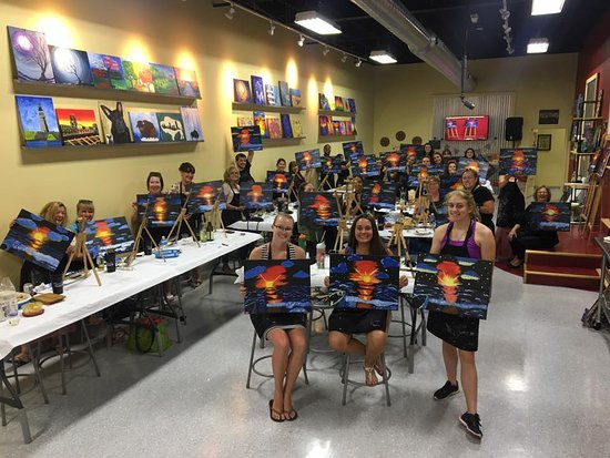 West Seneca, NY: Paint, Sip, pARTy!