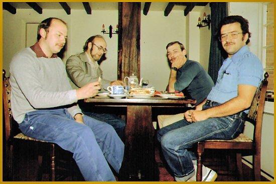 Whittington, UK: Im Tea Room vom Casle der Atom Müller kann es nicht begreifen was dsas hier kostet