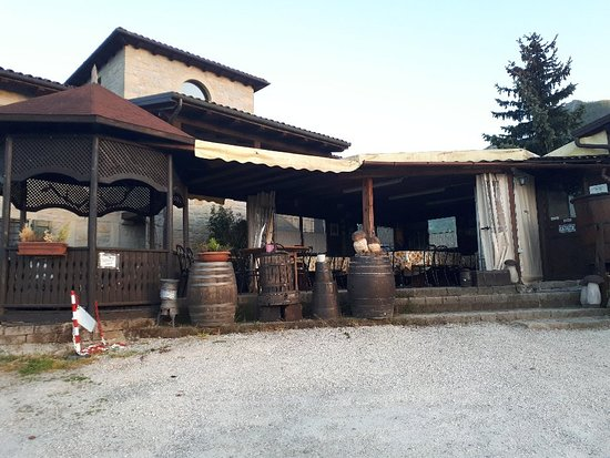 Vergato, Italie : 20180426_194718_large.jpg