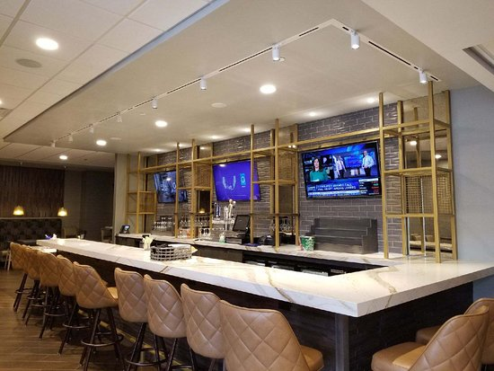 nice new bar picture of doubletree by hilton st paul east saint rh tripadvisor com