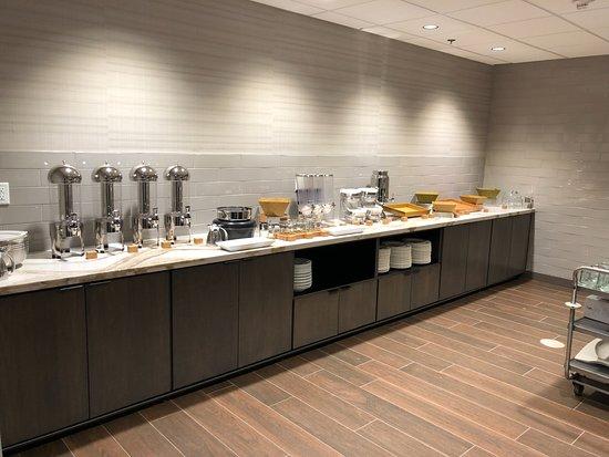 breakfast buffet picture of doubletree by hilton st paul east rh tripadvisor co za