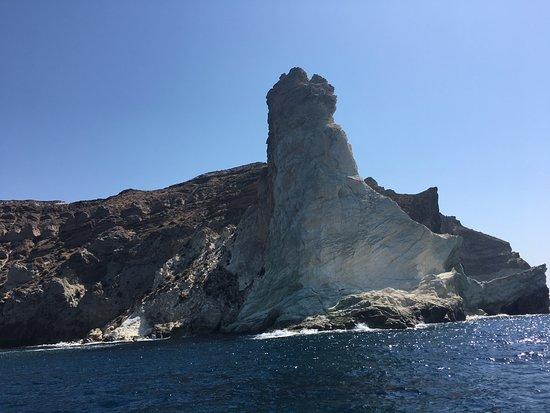 SemiPrivate Standard Santorini Catamaran Cruise with Greek buffet and drinks ภาพถ่าย