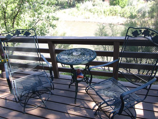 Florence, CO: Guests' private deck overlooking river.