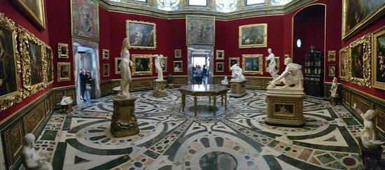 Πινακοθήκη Ουφίτσι (Galleria degli Uffizi): Galleria degli Uffizi