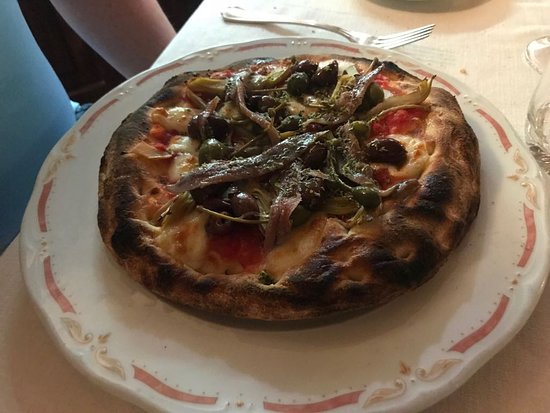 Antico Borgo la Muratella: pizza valtellina