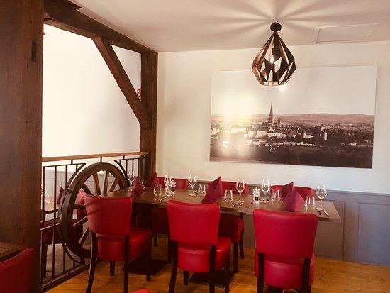 Le Cathédral: Jolie salle de restaurant