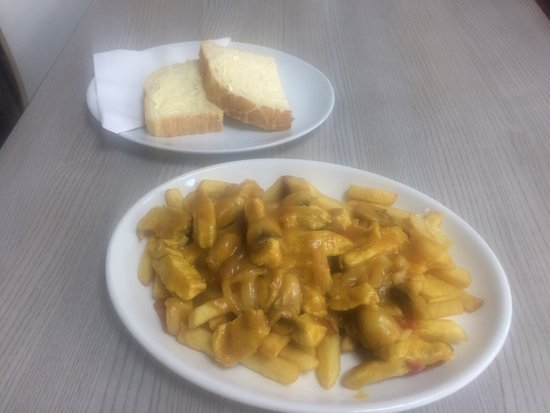 The Snack Box cafe: Chicken curry, chips & doorstep b&b
