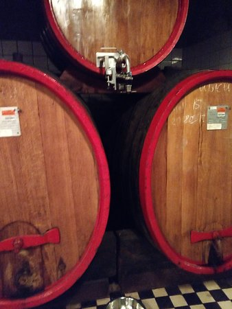 Zwack Heritage and Visitors' Centre: Oak barrel with a meter to restrict the amount poured. Great.