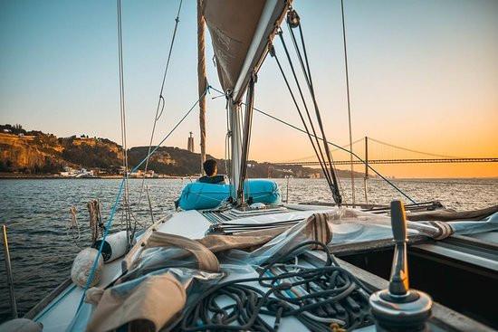 Sunset Sailing Tour On The Tagus River: The marina area on the way back