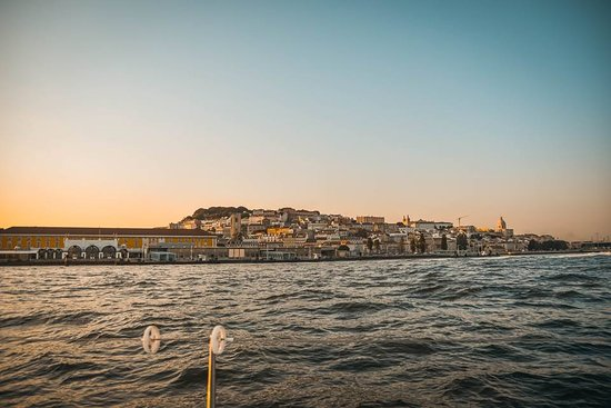 Sunset Sailing Tour On The Tagus River: 25 abril brige and sunset