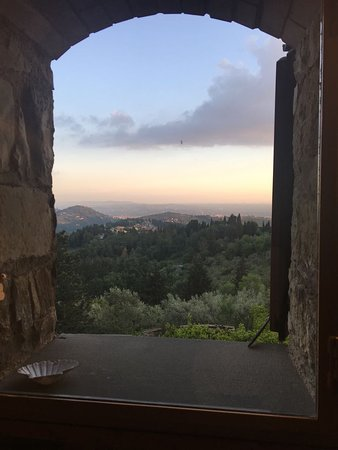 Montorsoli, Italia: View from bedroom down towards Florence