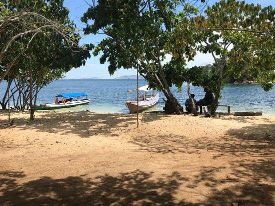 Floresia Trip: Beach before the Rangko Cave