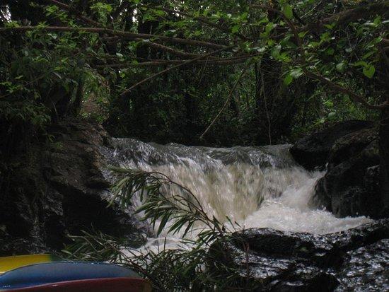 Medianeira, PR: cachoeira e local de banho