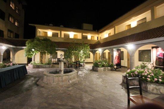 Hotel Jose Antonio Cusco: Jardin