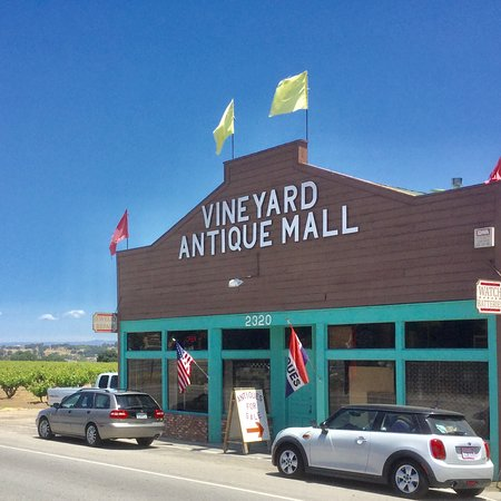‪Vineyard Antique Mall‬
