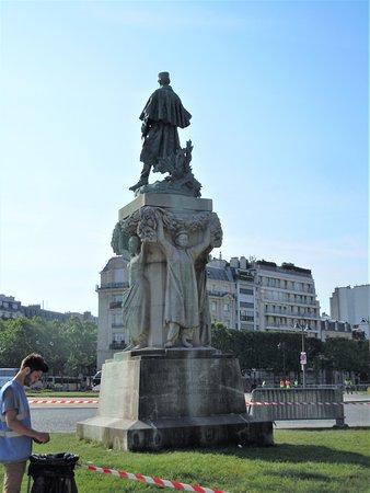 Monument au Marechal Gallieni