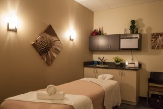 Hand & Stone Massage and Facial Spa - Leaside照片