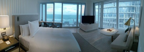Surfside, FL: corner deluxe suite