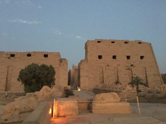Ναός Καρνάκ: Karnak at Night