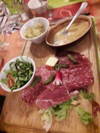 Nangy, Francja: Planche du Berthou et foie gras mi-cuit