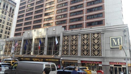 frente del hotel por la ma ana picture of the manhattan at times rh tripadvisor com