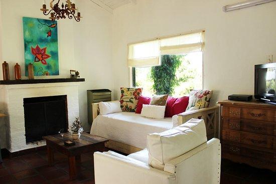 Cabanas La Escondida: Sala de Estar - Cabaña Las Hortensias