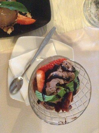 Konoba Portun: Шоколадное мороженое