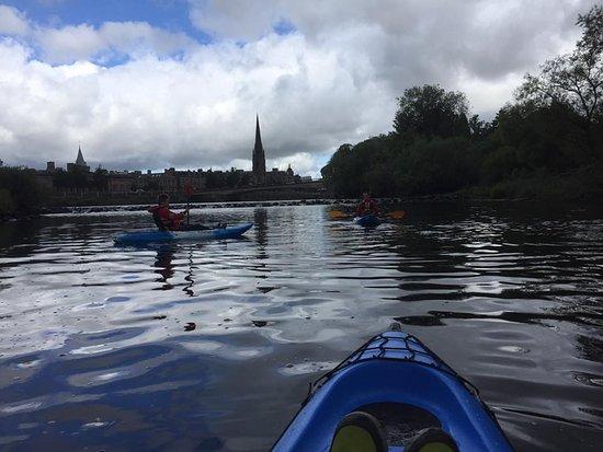 Willowgate Activity Centre: River trip right into Perth city centre