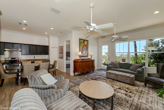 Gulfside Resorts: 306D- Living room