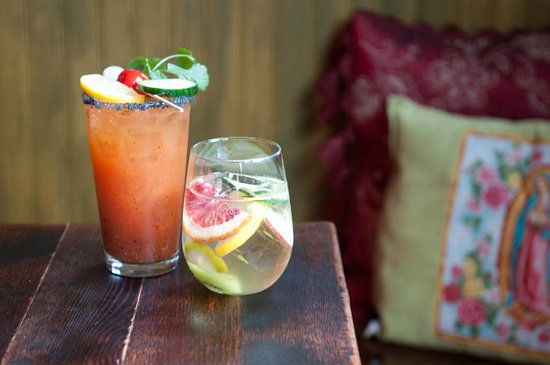 Azucar Lounge: Sangria Blanco and our Bloody Mary