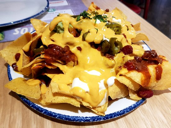 Calavera Fresh Mex: nachos ricos