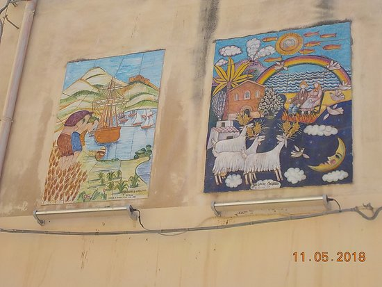 Piazza Angelo Scandaliato Le Ceramiche Per Abbellire Vie