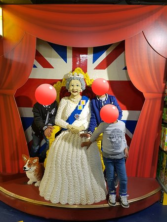 Hamleys London - Regent Street: 20180523_234845_large.jpg