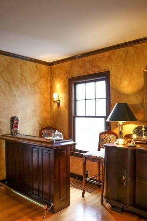 A' Tuscan Estate Bed & Breakfast: Check in desk