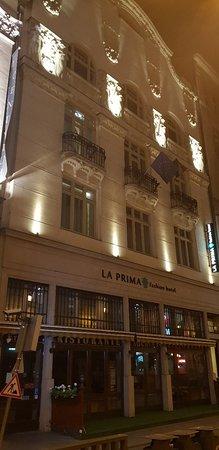La Prima Fashion Hotel: 20180522_235808_large.jpg