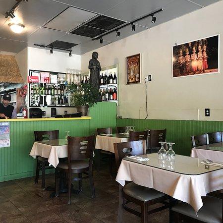 Royal Thai Cafe: photo0.jpg