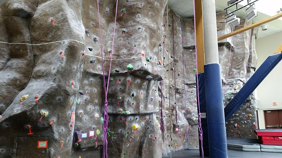 Moscow, ID : 18 top rope stations throughout facility and 4 lead climbing stations on the tower