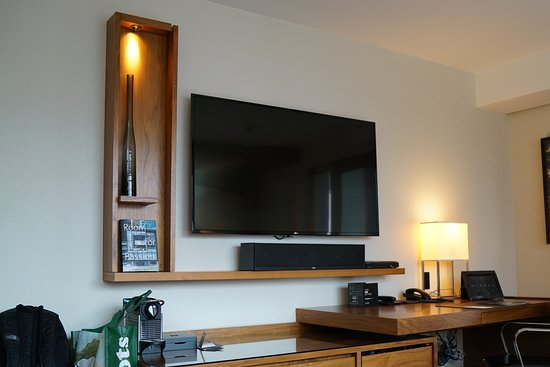 Fairmont Pacific Rim: Big TV