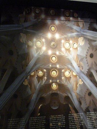 Gaudi Centre Reus: Iluminación de Cúpula