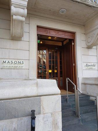 Masons Restaurant Bar: Restaurant Exterior