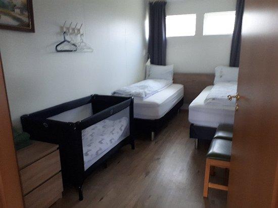 Vallnaholt Apartments & Rooms