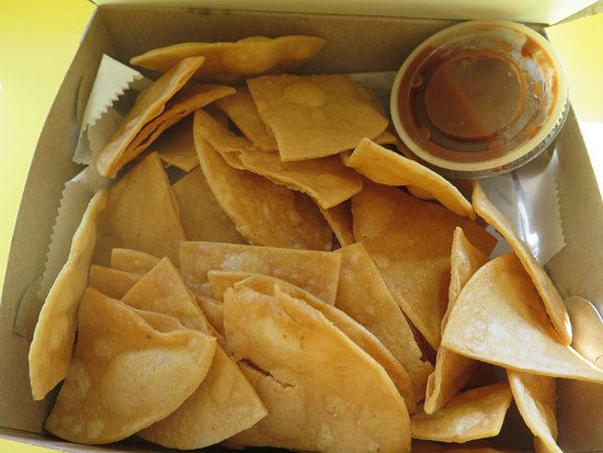 Waldwick, NJ: house made chips