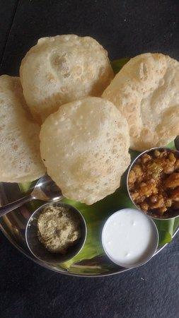 Green Restaurant and catering: Puri bhaji