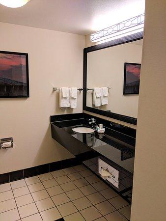 bathroom picture of fairfield inn suites north platte north rh tripadvisor ie