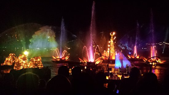 Animal Kingdom Ντίσνεϊ: Rivers of Light