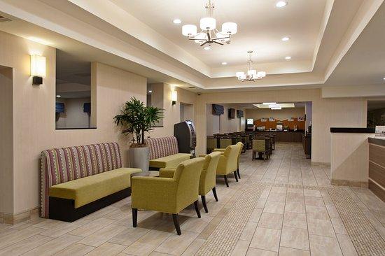 Colton, CA: Lobby