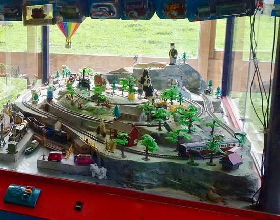 Eketahuna, New Zealand: Interactive Train Set for Kids