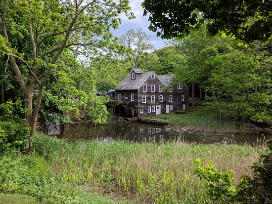 Stony Brook, NY: The grist mill. Take the tour!