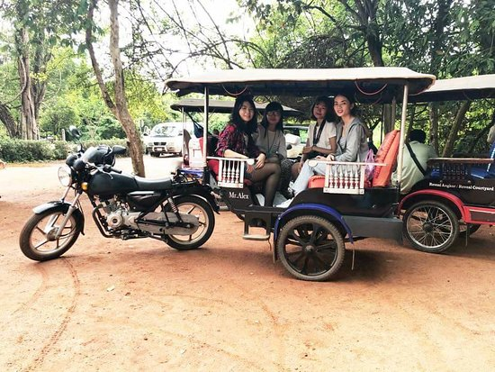 Jeep Tuk Tuk Tours