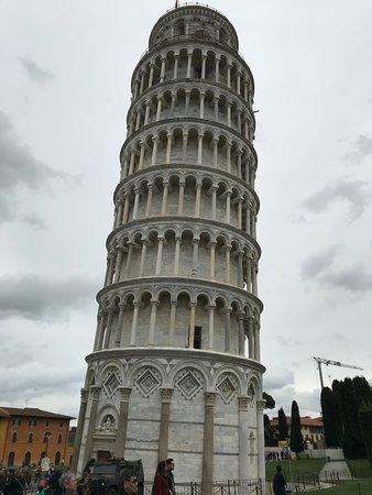 Subway Pisa: La famosa torre de Pisa, Tuscany, Italia